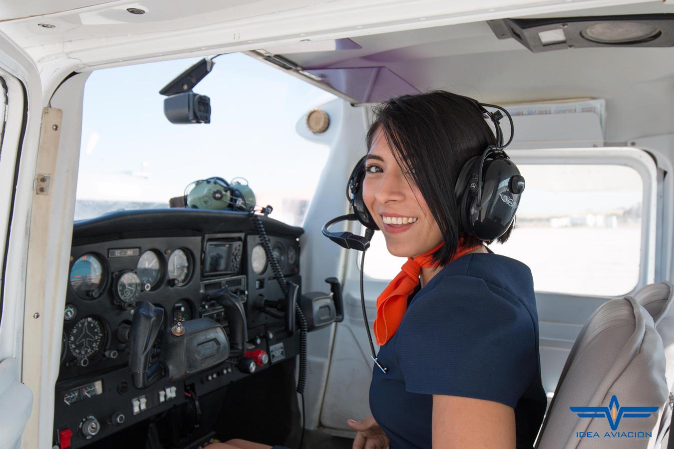 Idea_Aviacion_Curso_Auxiliar_Vuelo_Sevilla_Practicas_Vuelo_16
